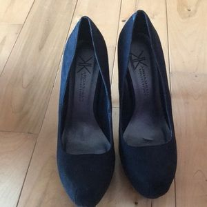 Women's Size 7 1/2 Black Platform heels